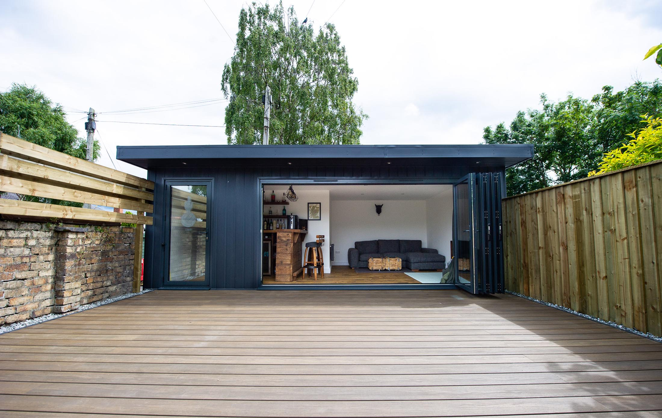 Kilmarnock Garden Studio Bar